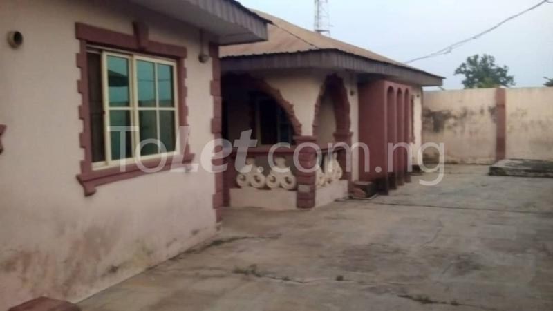 9 bedroom House for sale Adjascent Nurdork gas filling stations Bcj Apata Ibadan Apata Ibadan Oyo - 0