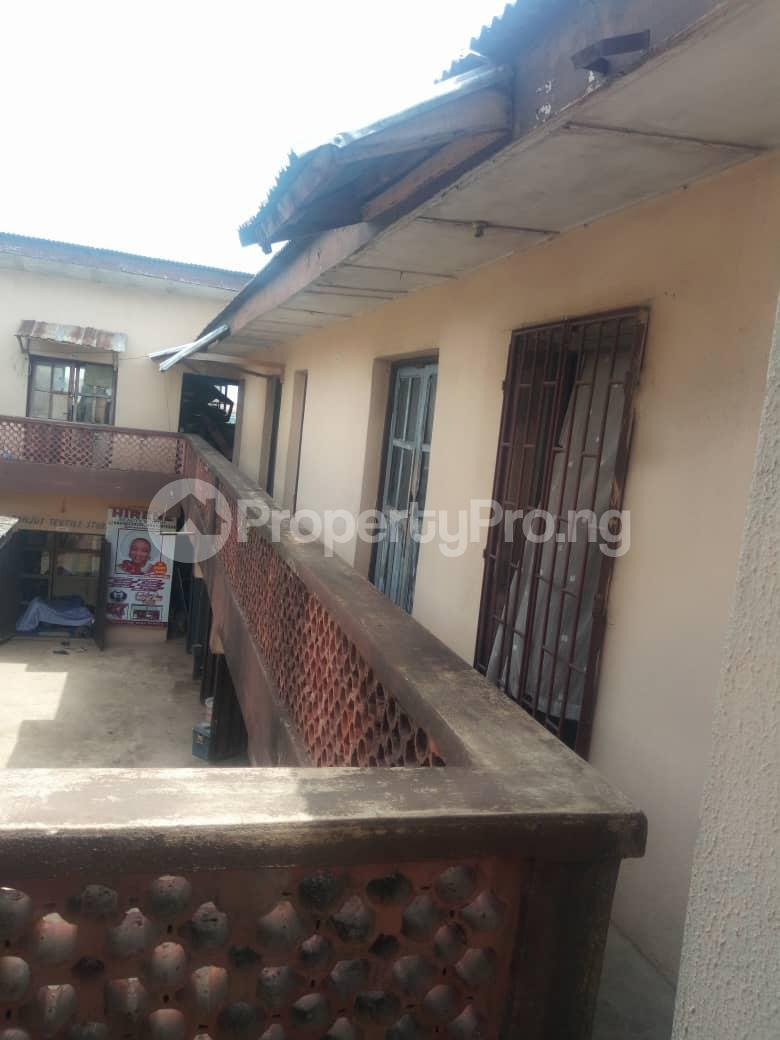 Co working space for sale No2, Olunloyo Street along old Lagos road new garage ibadan Ibadan Oyo - 1