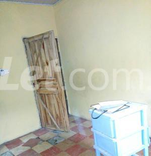 3 bedroom Shared Apartment Flat / Apartment for rent Aba Panu, Ologunerun Ibadan Oyo - 2