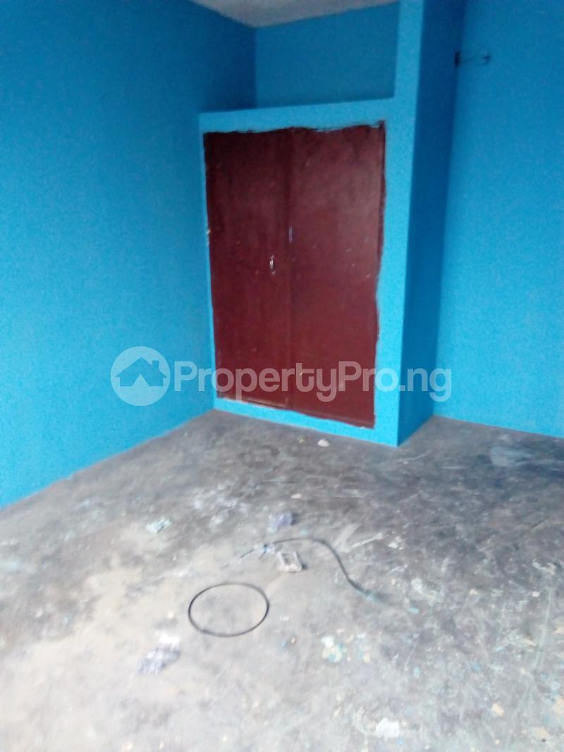 3 bedroom Blocks of Flats House for rent Ogunbekun street, ladi lak  Bariga Shomolu Lagos - 1
