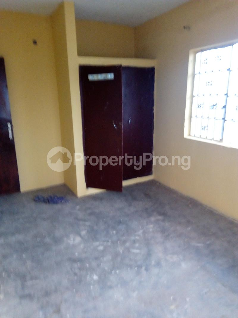 3 bedroom Blocks of Flats House for rent Ogunbekun street, ladi lak  Bariga Shomolu Lagos - 2