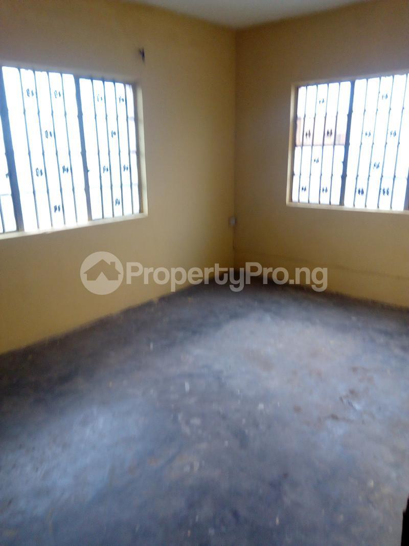 3 bedroom Blocks of Flats House for rent Ogunbekun street, ladi lak  Bariga Shomolu Lagos - 3
