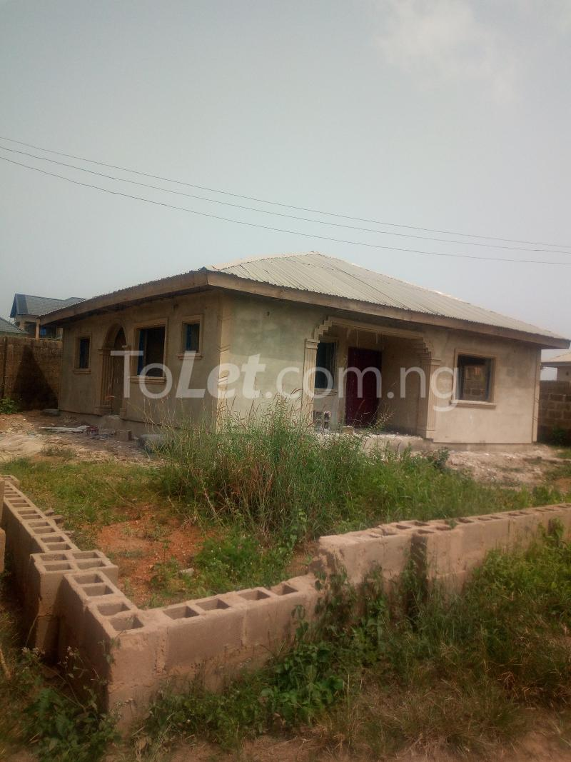 3 bedroom Flat / Apartment for sale Akuru, Elebu Akala Express Ibadan Oyo - 0