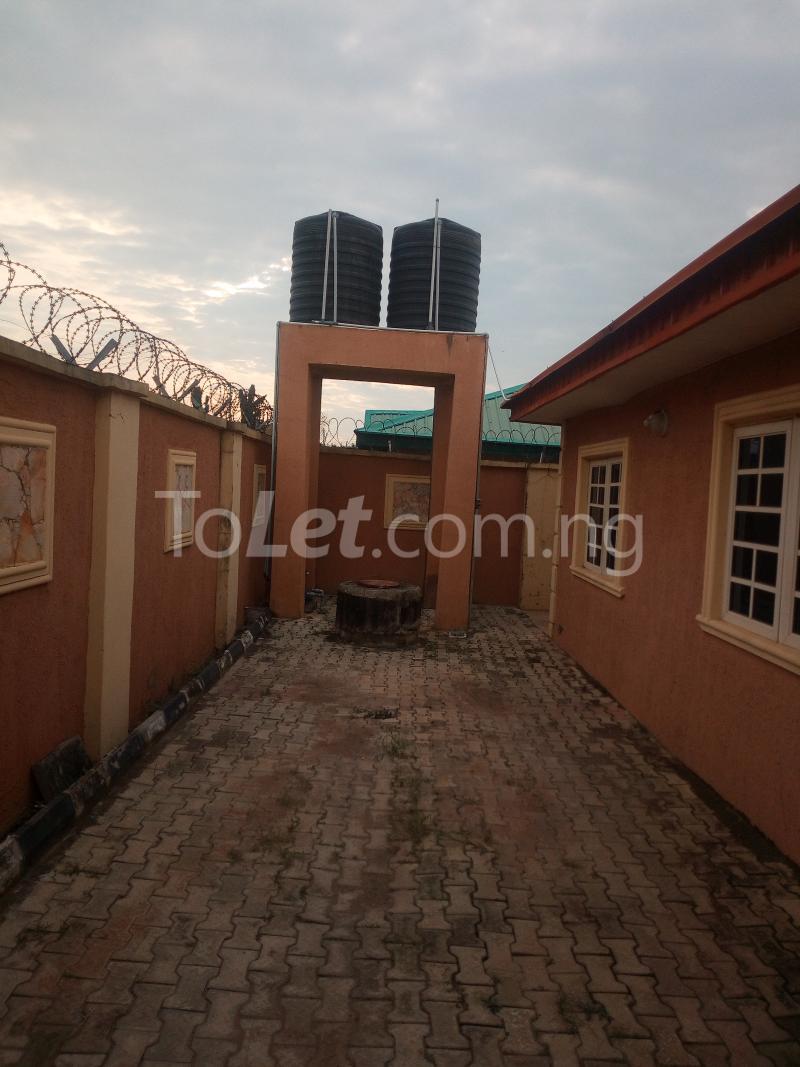 3 bedroom Flat / Apartment for rent Gbekugba Idishin Ibadan Oyo - 0