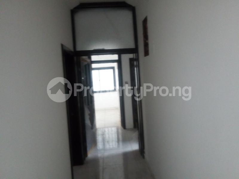 3 bedroom House for rent Tarffice light Onipanu Shomolu Lagos - 1