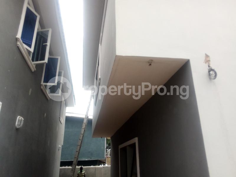 3 bedroom House for rent Tarffice light Onipanu Shomolu Lagos - 0
