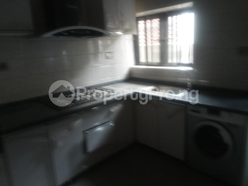 3 bedroom House for rent Tarffice light Onipanu Shomolu Lagos - 2