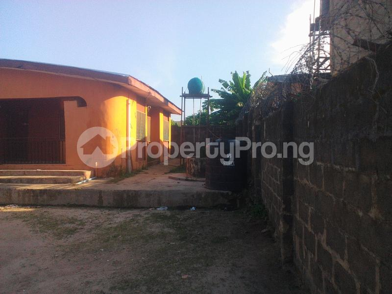 3 bedroom Semi Detached Bungalow House for sale Fagbile Estate  Bucknor Isolo Lagos - 2
