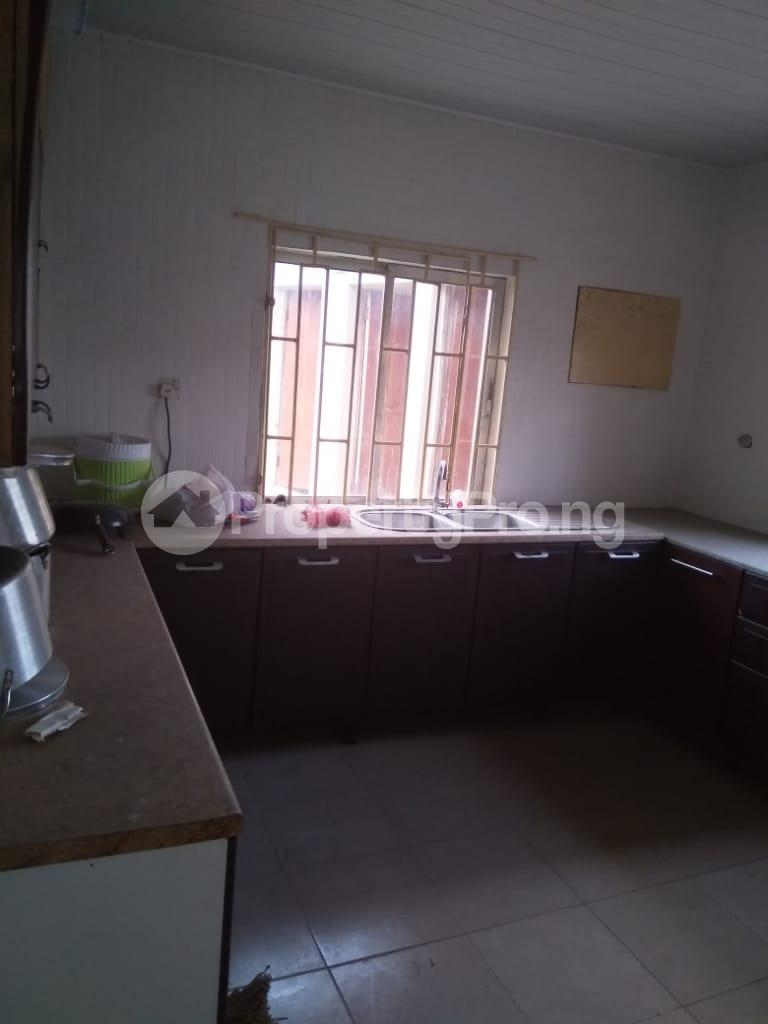 3 bedroom Detached Bungalow House for rent Shomade Crescent Adeniran Ogunsanya Surulere Lagos - 3