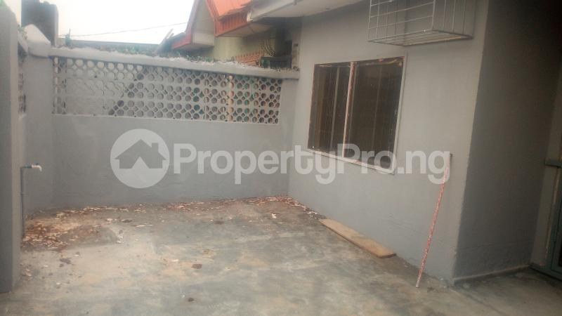 3 bedroom Detached Bungalow House for rent Adeyemi street off olumegbon street by Gbaja General hospital Surulere  Gbaja Surulere Lagos - 1