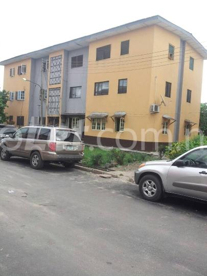 3 bedroom Flat / Apartment for rent off costain Ebute Metta Yaba Lagos - 0