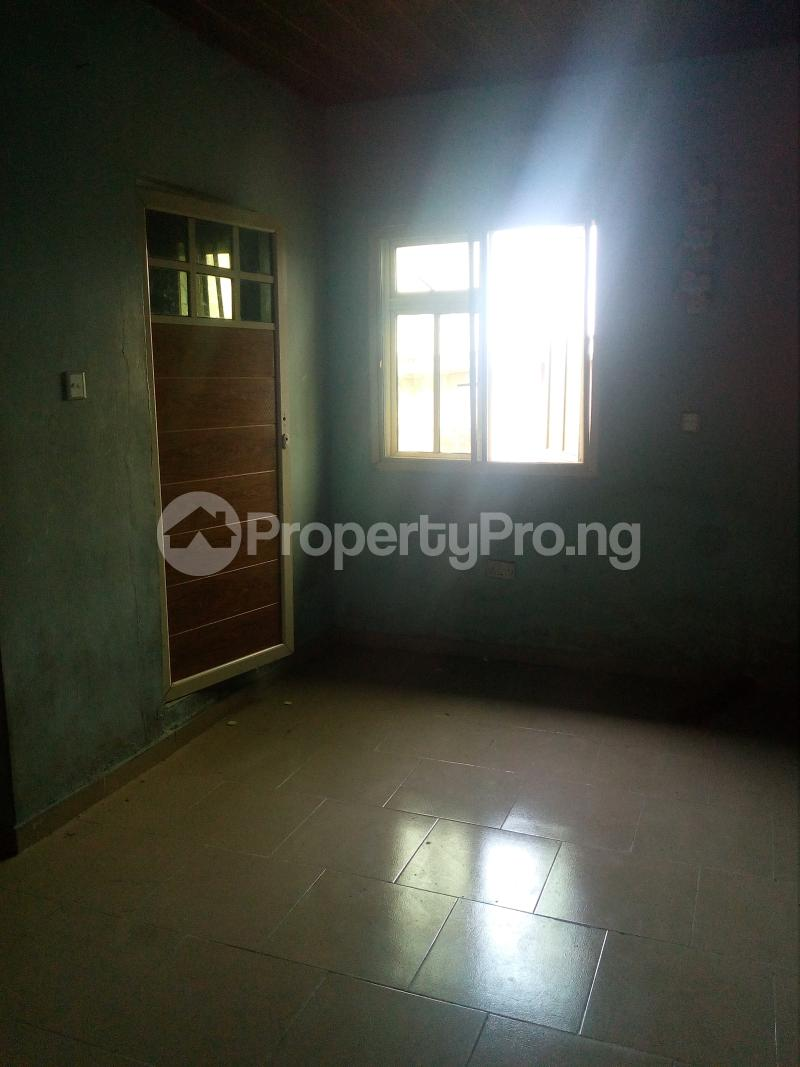 3 bedroom Self Contain Flat / Apartment for sale Alaka Estate  Alaka/Iponri Surulere Lagos - 5