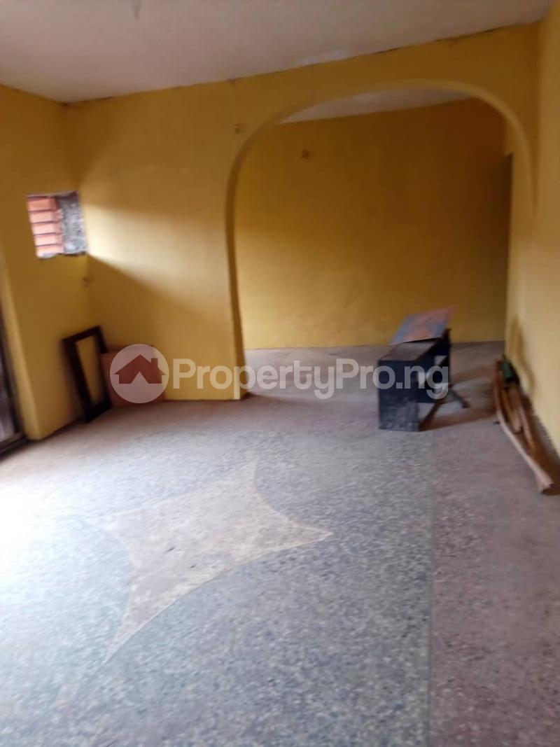 3 bedroom Commercial Property for rent R-jolad hospital axis Gbagada Lagos - 5