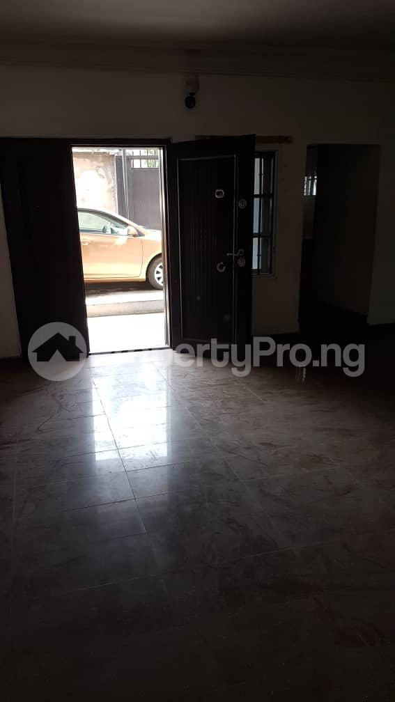 4 bedroom Flat / Apartment for rent Mercy Eneli Street Adelabu Surulere Lagos - 2