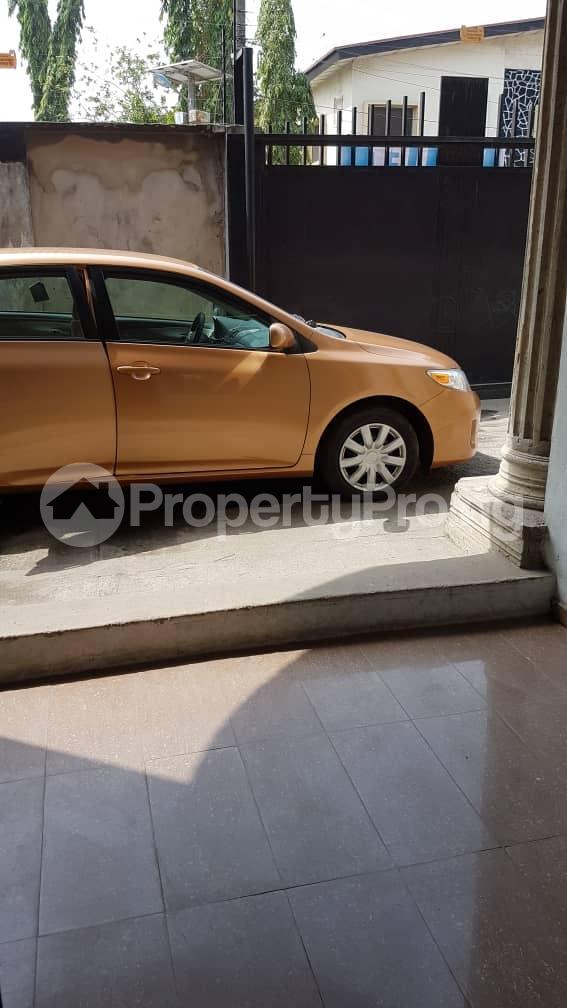 4 bedroom Flat / Apartment for rent Mercy Eneli Street Adelabu Surulere Lagos - 3