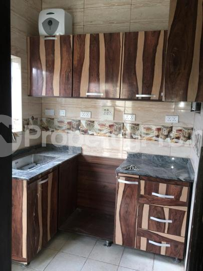 3 bedroom Flat / Apartment for rent odogbolu street off adetola  Aguda Surulere Lagos - 6