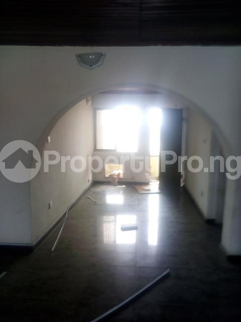 3 bedroom Flat / Apartment for rent Williams estate off  Adelabu Surulere Lagos - 0