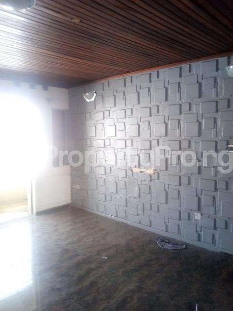 3 bedroom Flat / Apartment for rent Williams estate off  Adelabu Surulere Lagos - 1