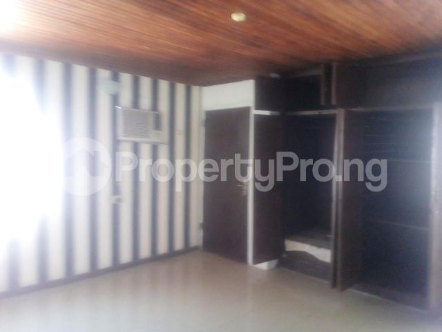 3 bedroom Flat / Apartment for rent Williams estate off  Adelabu Surulere Lagos - 3