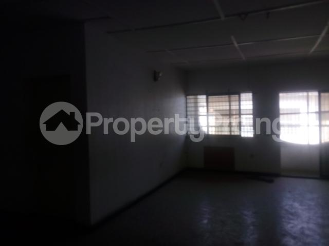 3 bedroom Flat / Apartment for rent yemi babalola street off olatunde onimole Aguda Surulere Lagos - 3