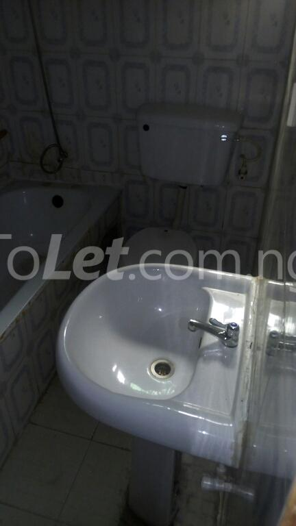 3 bedroom Flat / Apartment for rent ogudu Ogudu-Orike Ogudu Lagos - 24