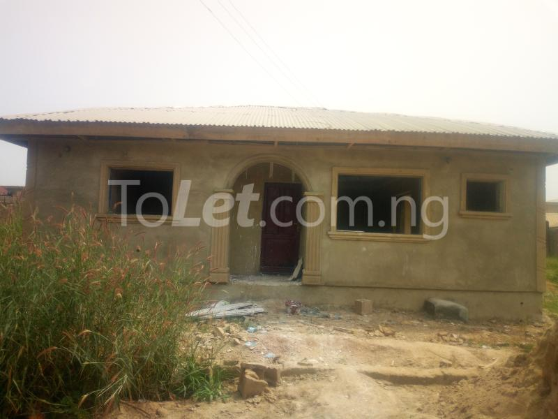3 bedroom Flat / Apartment for sale Akuru, Elebu Akala Express Ibadan Oyo - 1