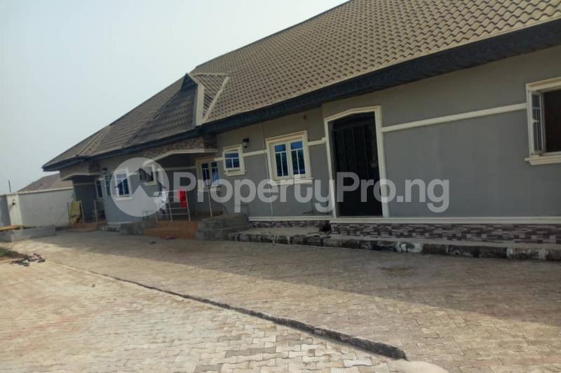 6 bedroom Detached Bungalow House for sale Ikouniro Oredo Edo - 5