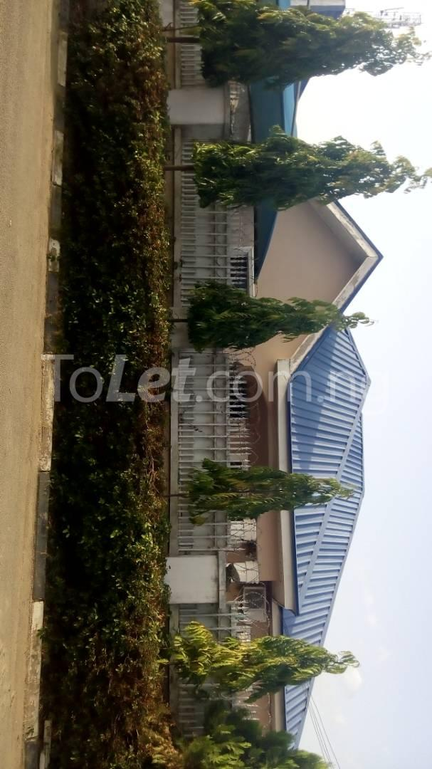 4 bedroom House for sale trademore estate Lugbe Abuja - 5
