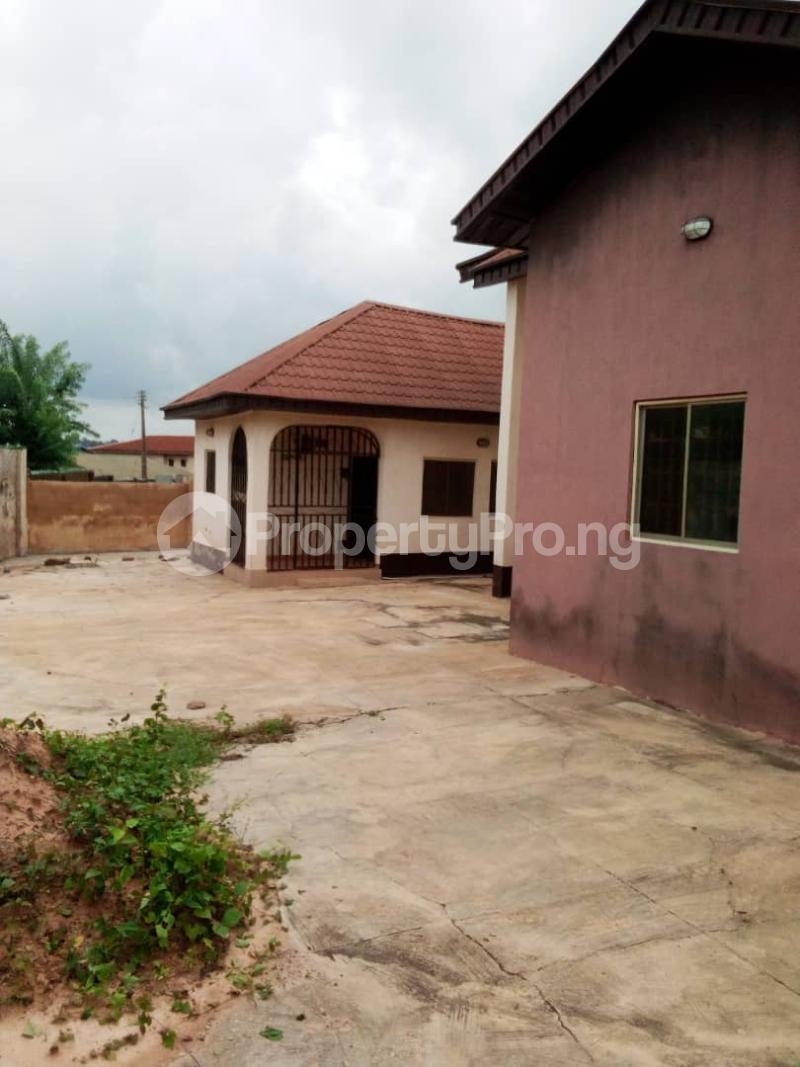 4 bedroom Detached Bungalow House for sale Barracks Road Ojoo Ibadan Oyo - 6
