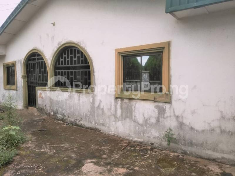 4 bedroom Detached Bungalow House for sale St. Saviour off Upper Sakpoba, just 4 pole away from the major road  Oredo Edo - 1