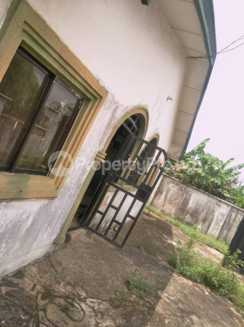 4 bedroom Detached Bungalow House for sale St. Saviour off Upper Sakpoba, just 4 pole away from the major road  Oredo Edo - 4