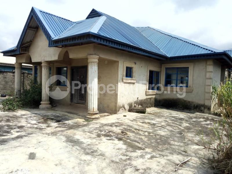 Detached Bungalow House for sale Igbogbo axis Igbogbo Ikorodu Lagos - 0