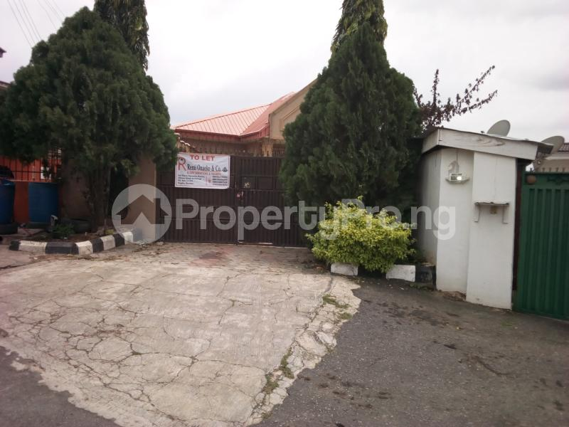 4 bedroom Detached Bungalow House for rent Ogunsola close Oluyole Estate Ibadan Oyo - 0
