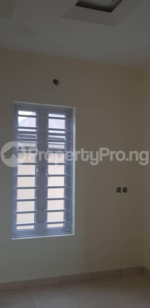 4 bedroom Terraced Bungalow House for sale Extension Omole phase 2 Ojodu Lagos - 7