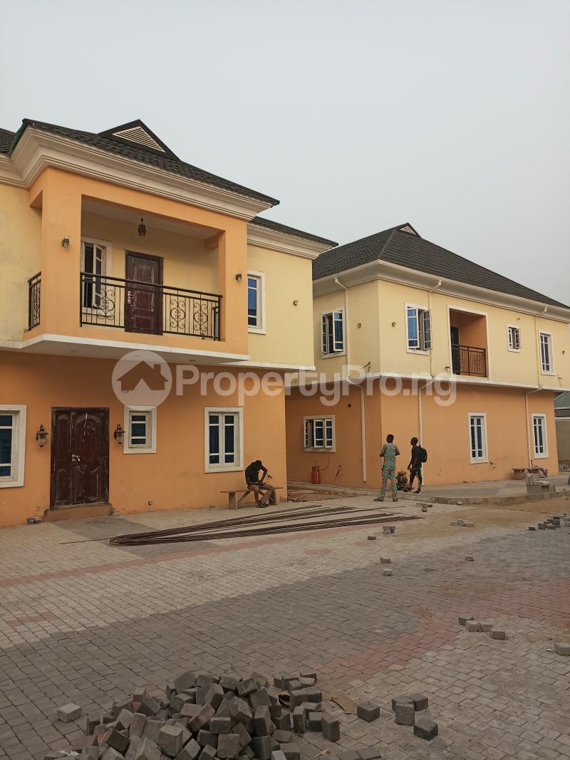 4 bedroom Terraced Duplex House for sale - Bye pass Ilupeju Ilupeju Lagos - 0