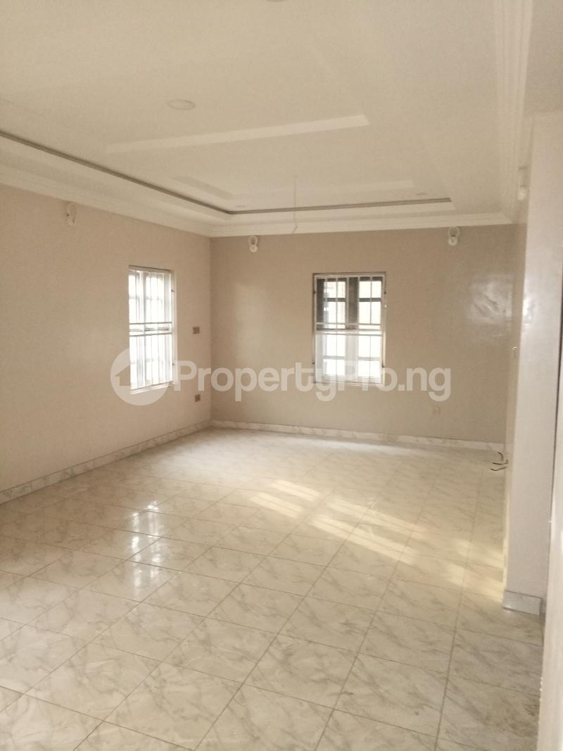 4 bedroom Terraced Duplex House for sale - Bye pass Ilupeju Ilupeju Lagos - 6