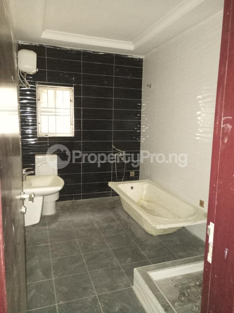 4 bedroom Terraced Duplex House for sale - Bye pass Ilupeju Ilupeju Lagos - 11
