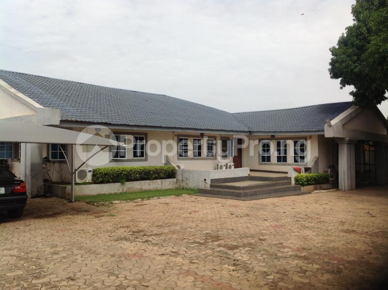 4 bedroom Semi Detached Duplex House for sale 56, awolowo road, tanke  Ilorin Kwara - 12