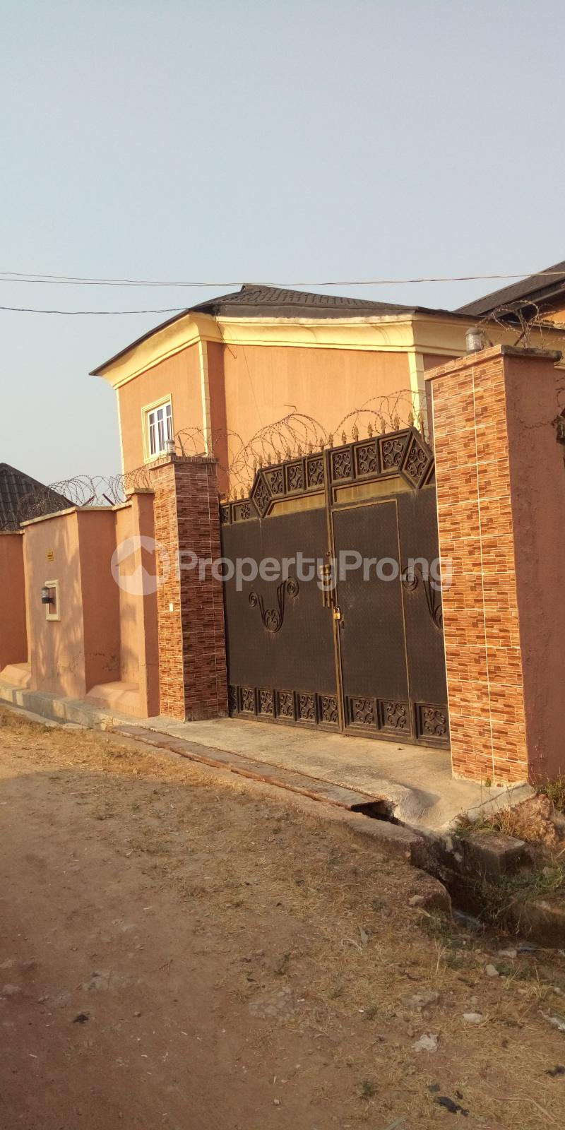 6 bedroom House for sale Premier Estate Akuru Elebu Oluyole Extension  Akala Express Ibadan Oyo - 0