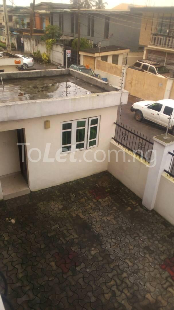 4 bedroom Flat / Apartment for sale Ilupeju Mushin Lagos - 3