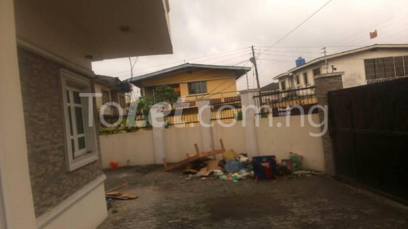 4 bedroom Flat / Apartment for sale Ilupeju Mushin Lagos - 9