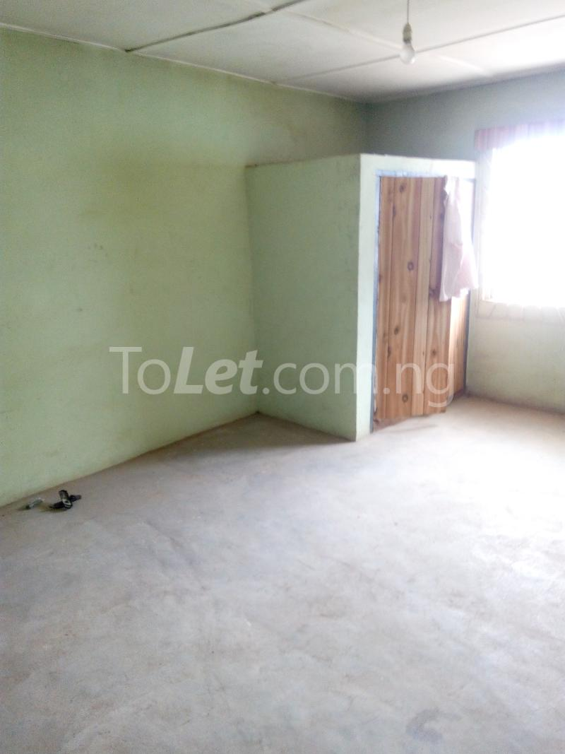 4 bedroom Flat / Apartment for sale church street Osogbo Osun - 3