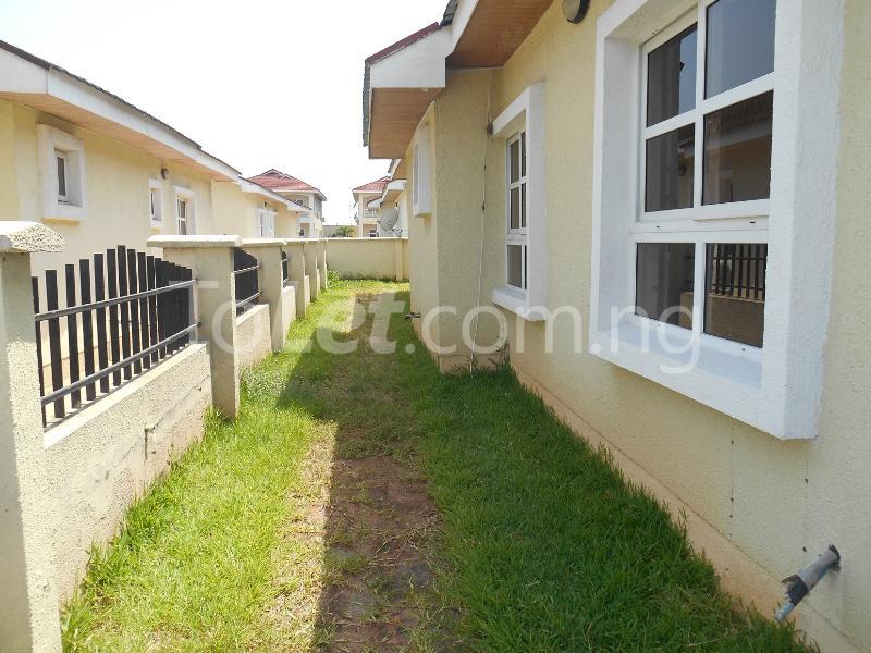 4 bedroom Detached Bungalow House for sale Napier Gardens Estate  VGC Lekki Lagos - 17