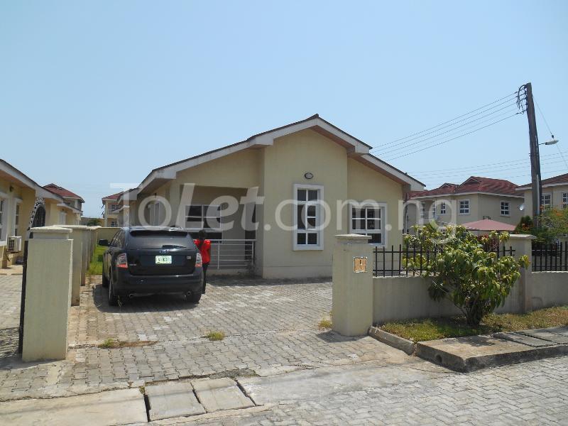 4 bedroom Detached Bungalow House for sale Napier Gardens Estate  VGC Lekki Lagos - 0