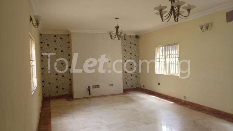 4 bedroom House for rent Magodo Phase 2 Estate, CMD ROAD.  Ojodu Lagos - 11