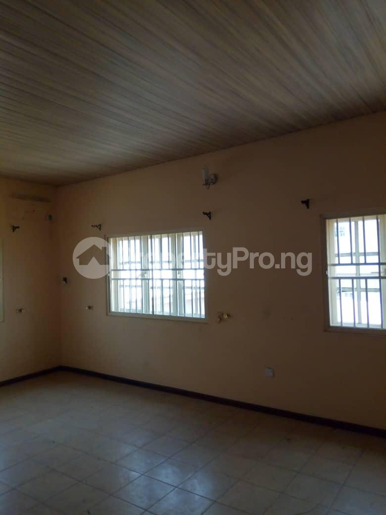 4 bedroom Detached Duplex House for rent Magodo Gra Phase 2 Estate, Off CMD Road Magodo-Shangisha Kosofe/Ikosi Lagos - 2
