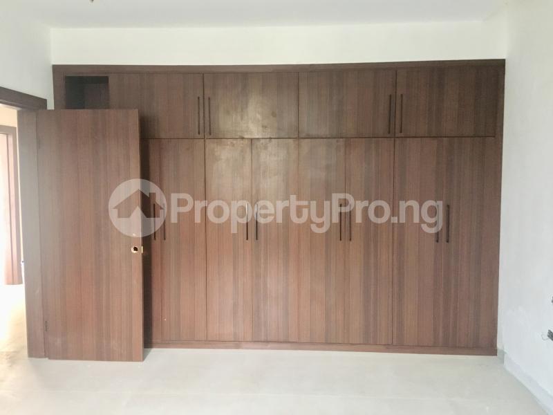 4 bedroom Semi Detached Duplex House for sale Lekki Phase 1 Lekki Lagos - 8