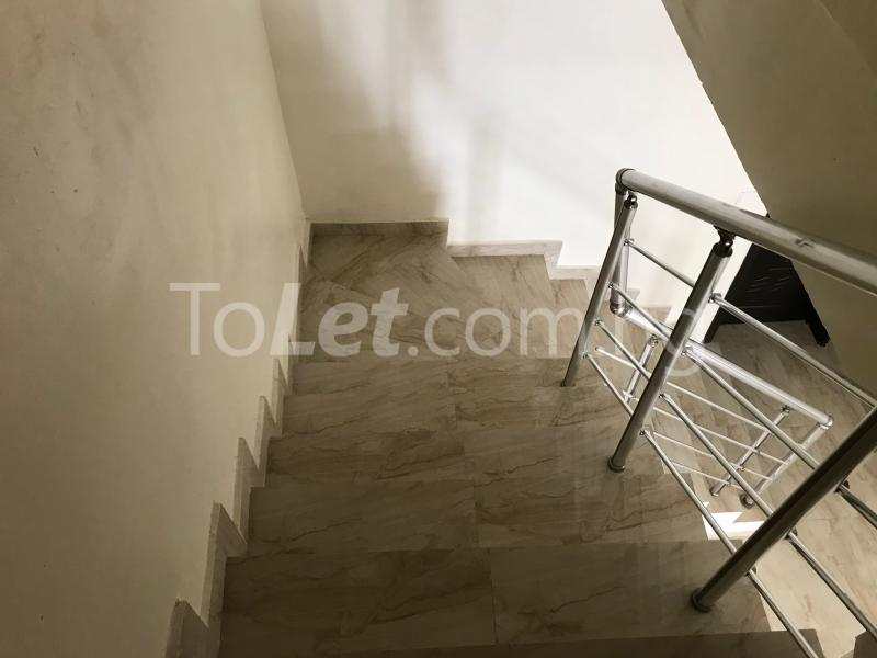 4 bedroom House for rent Lafiaji chevron Lekki Lagos - 9