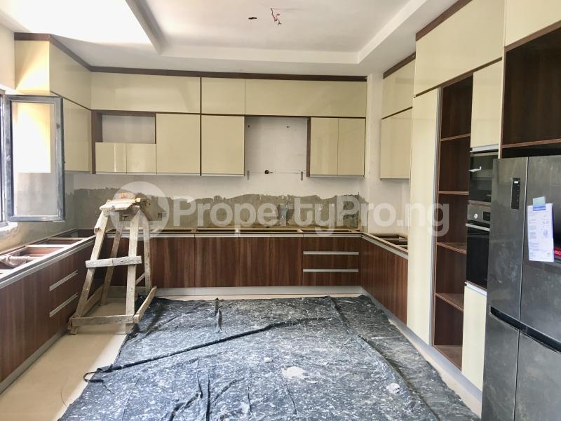 4 bedroom Semi Detached Duplex House for sale Lekki Phase 1 Lekki Lagos - 11