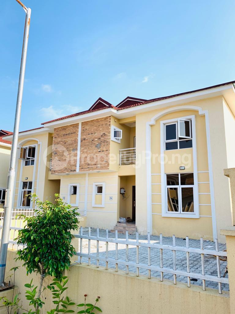 4 bedroom Semi Detached Duplex House for sale Osapa london Lekki Lagos - 11